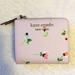 NWT Kate Spade L-ZIP Bifold Wallet Floral Lavender